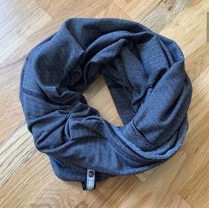 Lululemon Vinyasa scarf